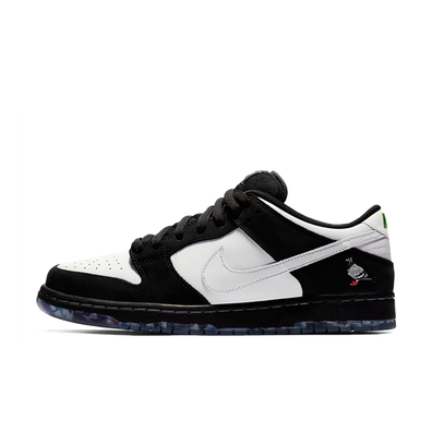 Staple X Nike SB Dunk Low 'Panda Pigeon' productafbeelding