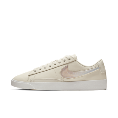 Nike Blazer Low LX 'Pale Ivory' productafbeelding