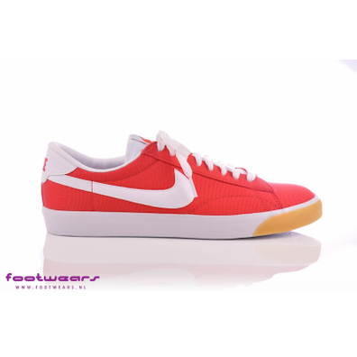 Nike Tennis Classic Unvrsty Red/white-gm Yllw-blk productafbeelding