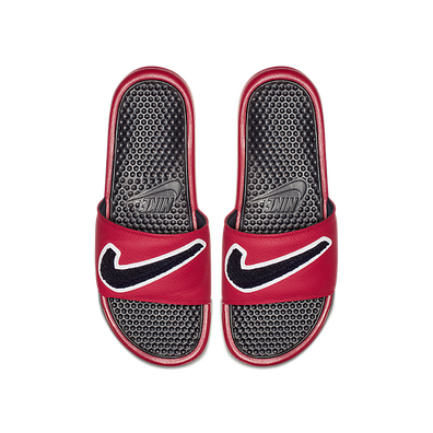 Nike Benassi Just Do It. Chenille Gym Red Obsidian-White-Dark Obsidian AO2805-600 productafbeelding