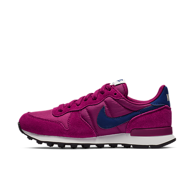 Nike Wmns Internationalist (True Berry / Blue Void - Summit White - Bl productafbeelding