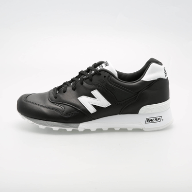 New Balance M577FB Football Pack (Black / White) productafbeelding