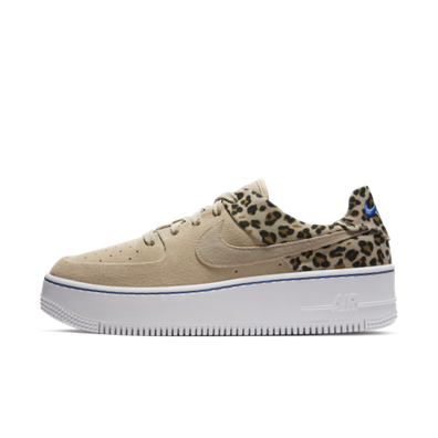 Nike WMNS Air Force 1 Sage 'Leopard' productafbeelding