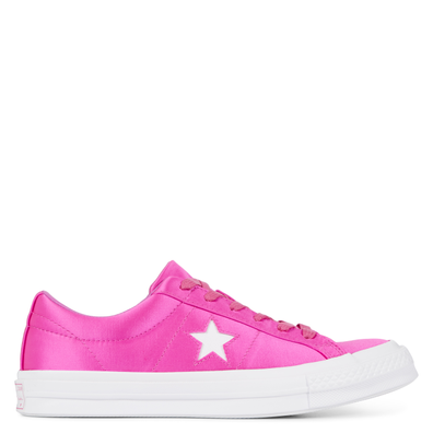 One Star Satin Low Top productafbeelding