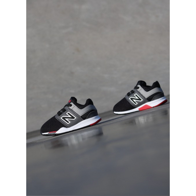New Balance 247 Black/Red TS productafbeelding