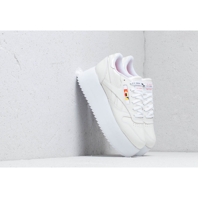 Reebok x Gigi Hadid Classic Leather Triple Platform White/ Neon Red/ Black productafbeelding