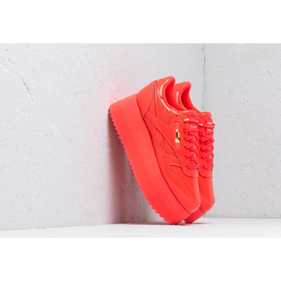 Reebok x Gigi Hadid Classic Leather Triple Platform Neon Red/ White productafbeelding
