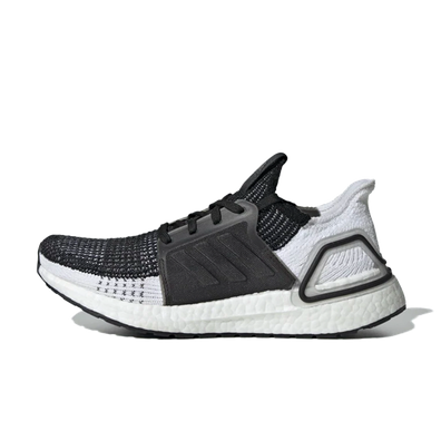 adidas WMNS Ultra Boost 19 'Black & White' productafbeelding