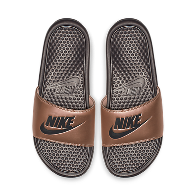 Nike Wmns Benassi Jdi Mtlc Red Bronze/ Thunder Grey productafbeelding