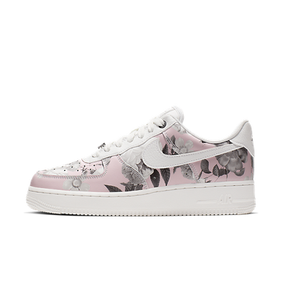 Nike Wmns Air Force 1 '07 LXX 'Pink Floral' productafbeelding
