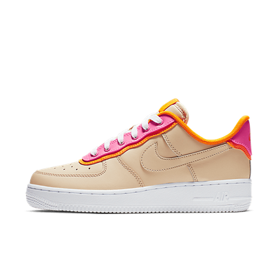 Nike WMNS Air Force 1 '07 SE 'Desert Ore' productafbeelding