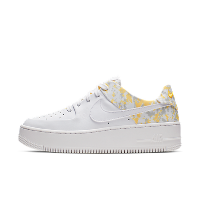 Nike Air Force 1 Sage Low Premium  productafbeelding