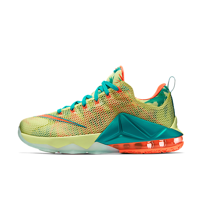 Nike Lebron 12 Low PRM zijaanzicht