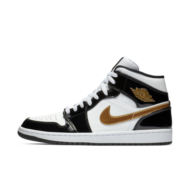 Air Jordan 1 Mid 'Black/Gold' zijaanzicht