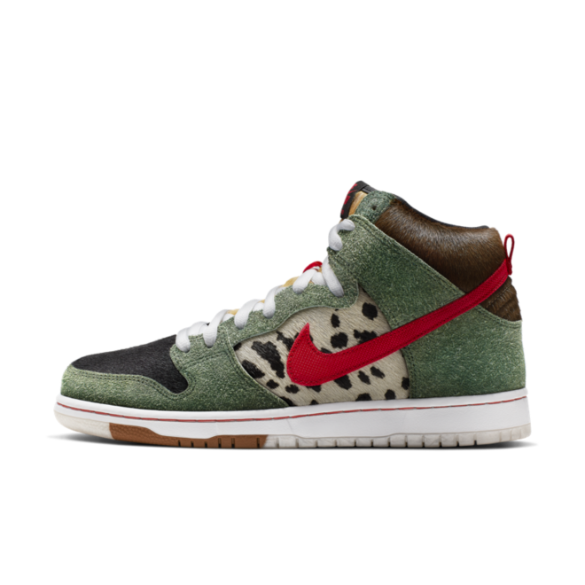 Nike SB Dunk High 'Walk The Dog' zijaanzicht