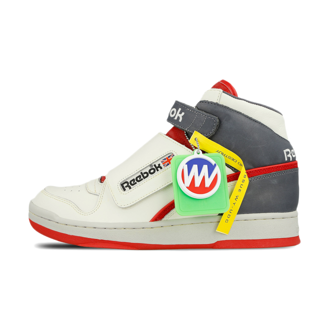 Reebok Alien Fighter Bishop 'Scarlet' zijaanzicht