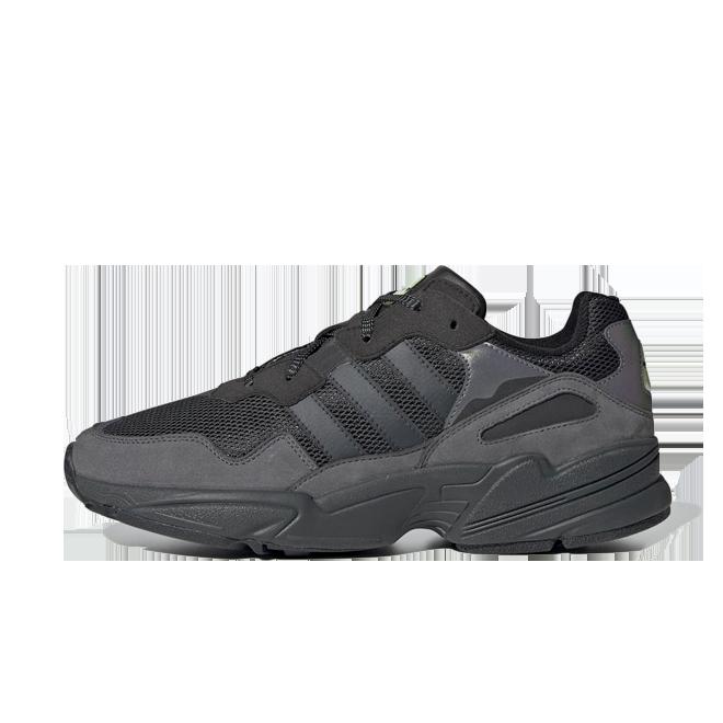 adidas Yung-96 'Core Black' zijaanzicht