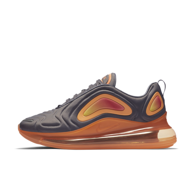 Nike Air Max 720 'Orange/Grey' zijaanzicht