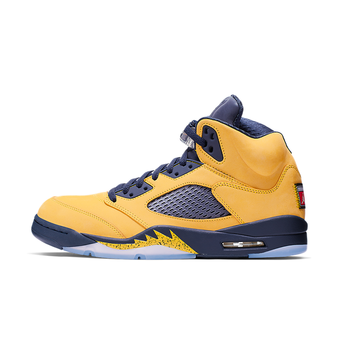 Air Jordan 5 Retro SP 'Amarillo' zijaanzicht