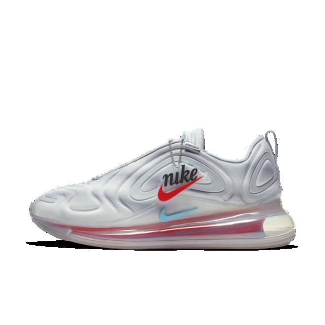 Nike Air Max 720 'Rainbow' zijaanzicht