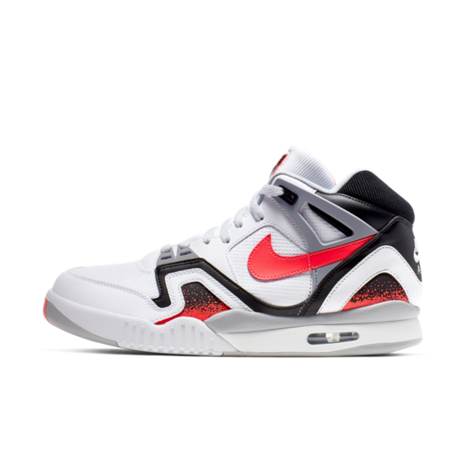 Nike Air Tech Challenge 2 'Hot Lava' zijaanzicht