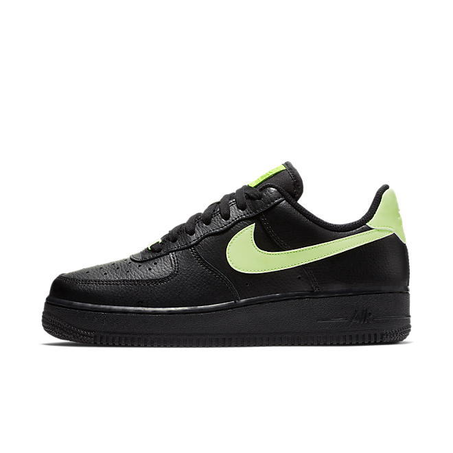Nike Air Force 1 '07 zijaanzicht