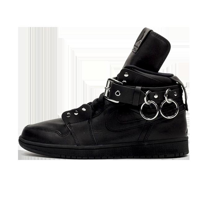 Comme Des Garcon X Air Jordan 1 High 'Black' zijaanzicht