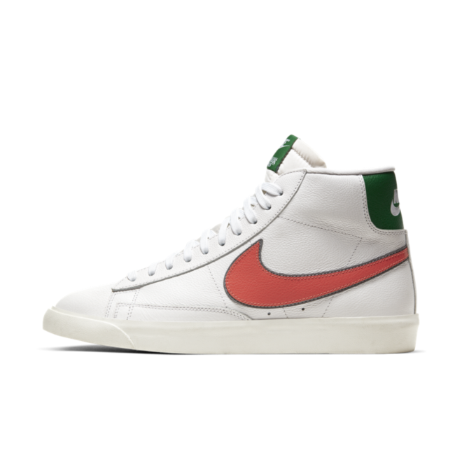 Stranger Things X Nike Blazer 'Hawkins High' zijaanzicht
