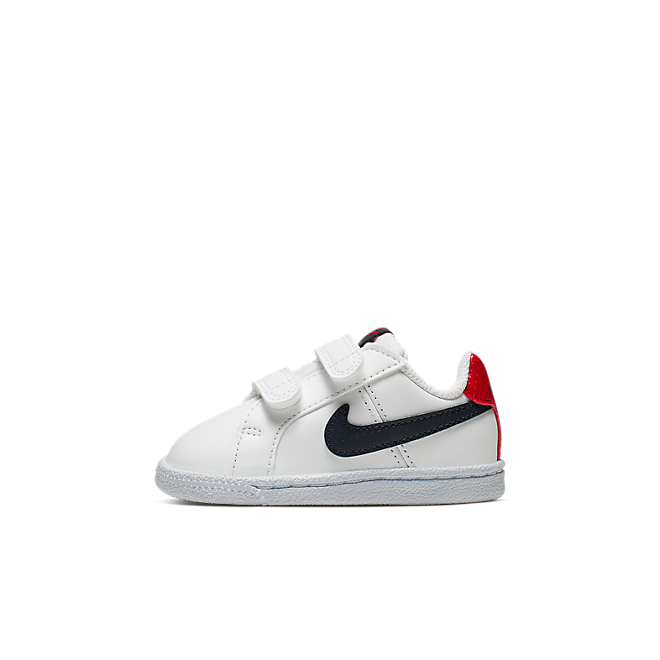 NikeCourt Royale