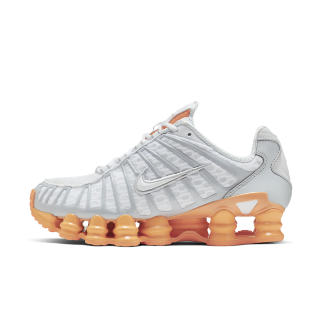 Nike Shox TL 'Fuel Orange' zijaanzicht