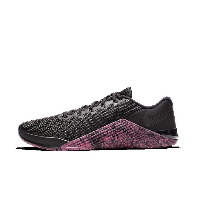 Nike Metcon 5 'Sunset Pulse' zijaanzicht