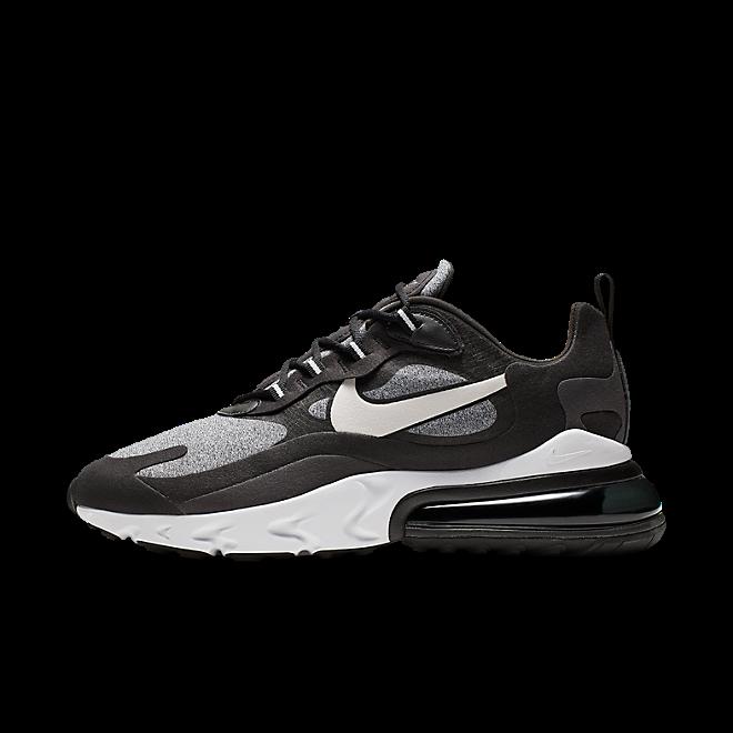 Nike Air Max 270 React 'Black' zijaanzicht