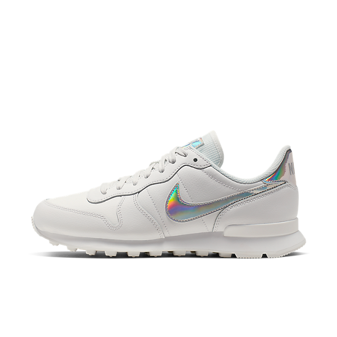 Nike Internationalist SE 'Iridescent White' CQ5427-100