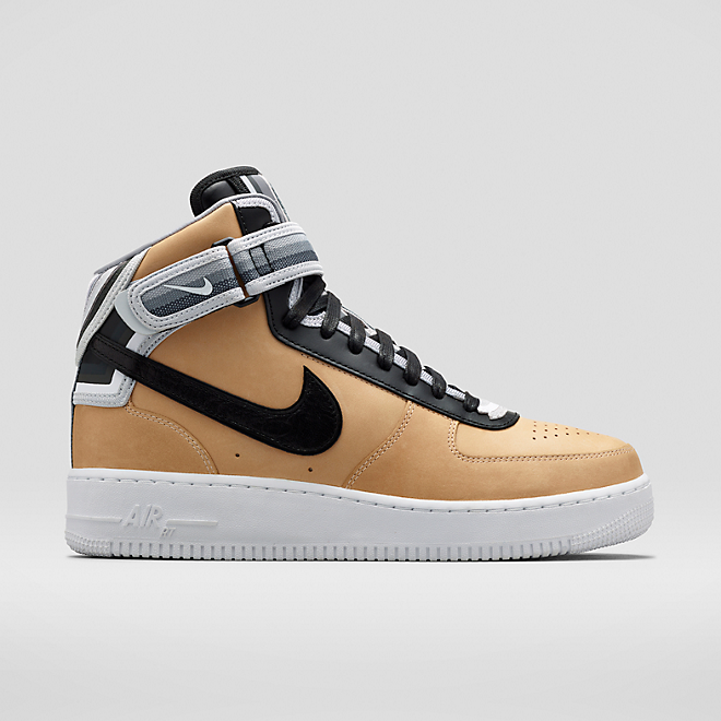 Nike Riccardo Tisci 'Beige Pack Air Force 1' mid-tops zijaanzicht