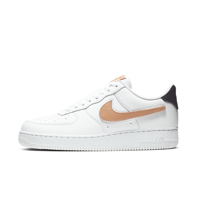 Nike Air Force 1 '07 LV8 3 'Vachetta Tan' zijaanzicht
