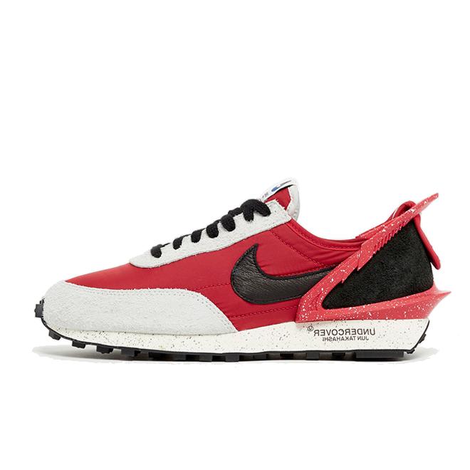 UNDERCOVER X Nike Daybreak 'University Red' zijaanzicht