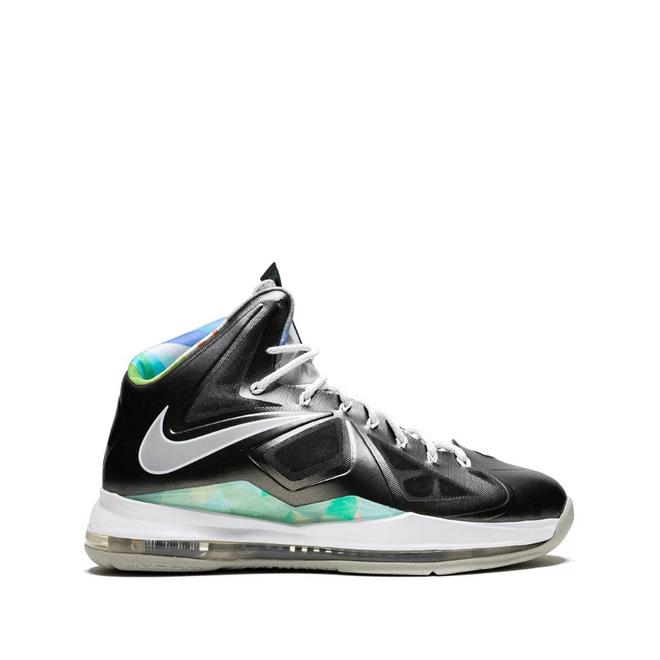Nike Lebron 10 zijaanzicht
