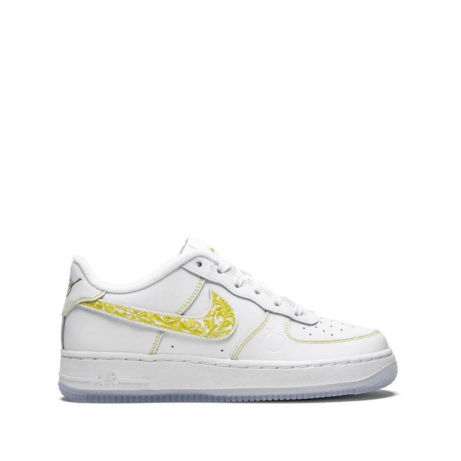 Nike Air Force 1 zijaanzicht