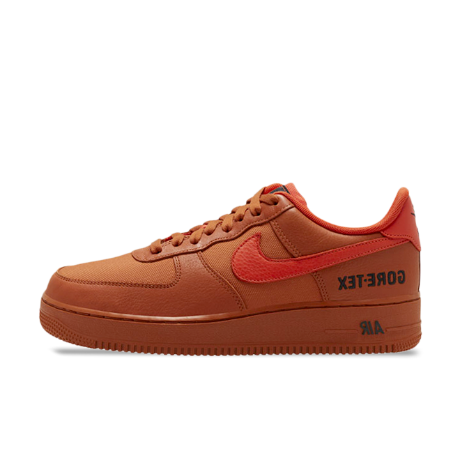 Gore-Tex X Nike Air Force 1 Low 'Bright Ceramic' zijaanzicht