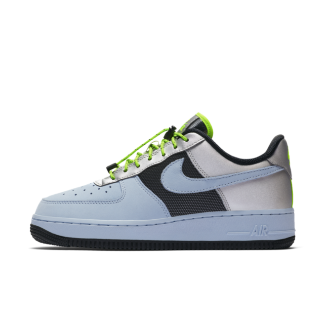 Nike WMNS Air Force 1 Low 'Baby Blue' zijaanzicht