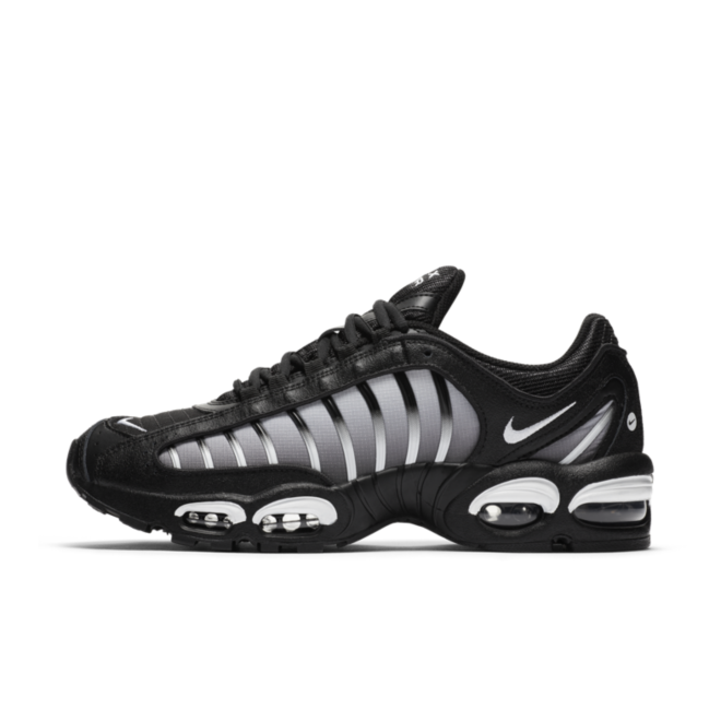 Nike Air Max Tailwind IV 'Black/Silver' zijaanzicht