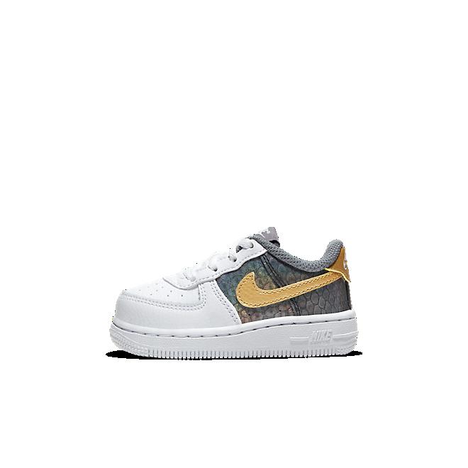 Nike Force 1 SE
