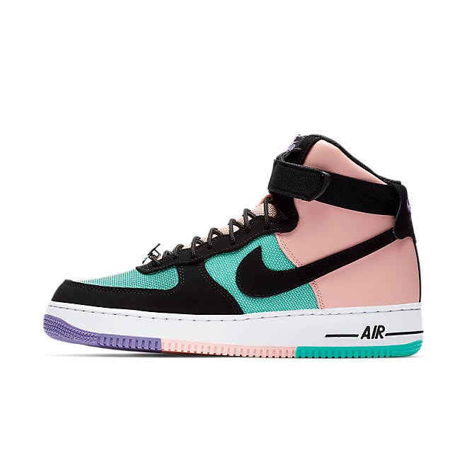 Nike Air Force 1 high-top zijaanzicht