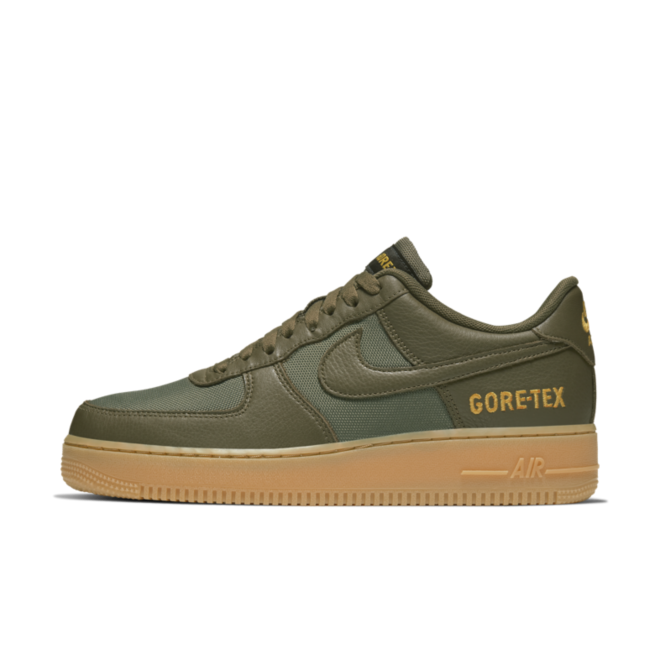 Gore-Tex X Nike Air Force 1 Low 'Medium Olive' zijaanzicht