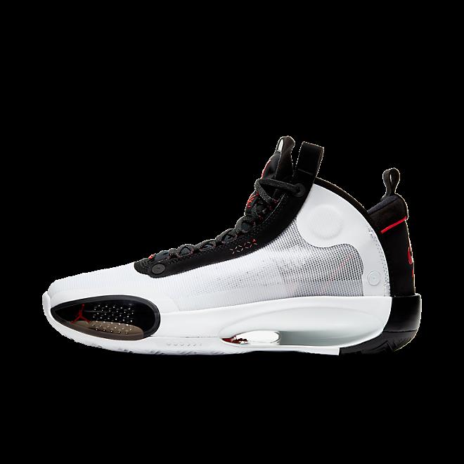 Nike Air Jordan XXXIV 'Bred' zijaanzicht