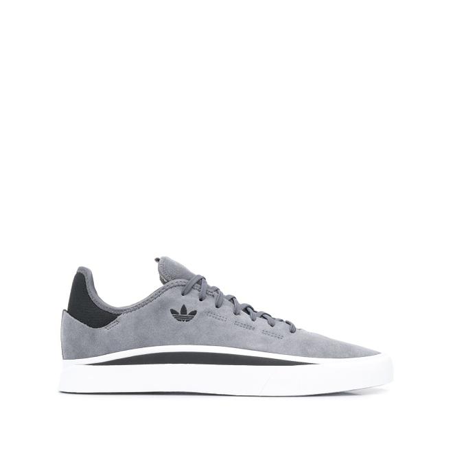 adidas low top Sabalo