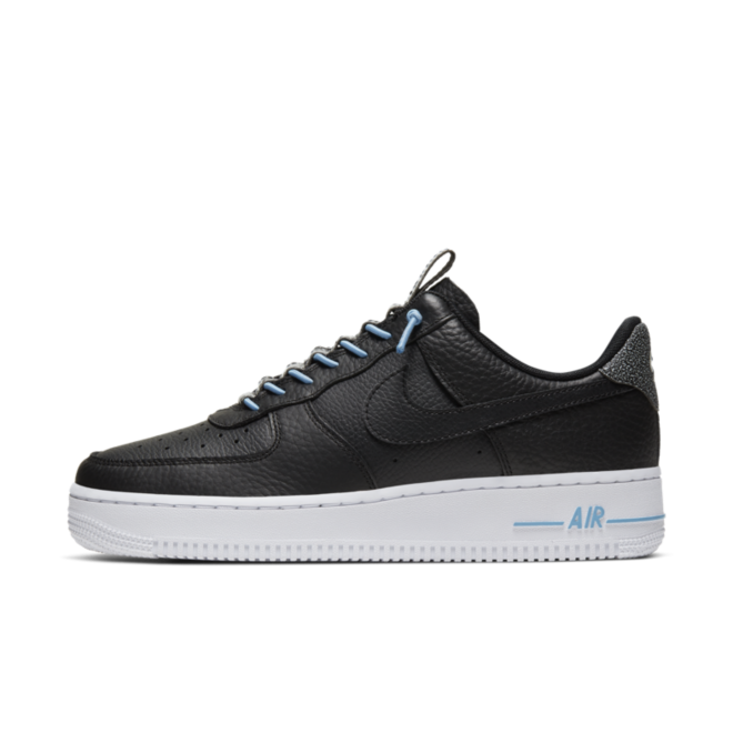 Nike Air Force 1 Lux 'Black' zijaanzicht