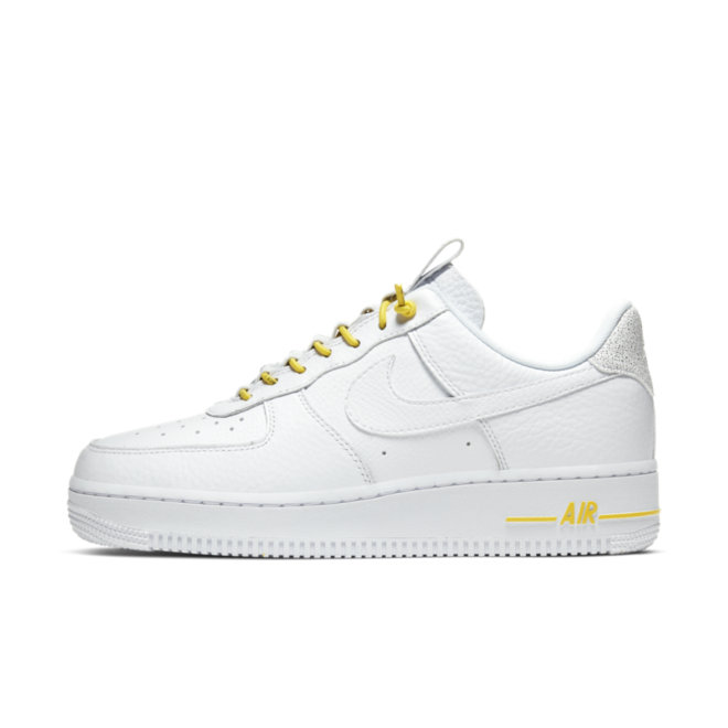 Nike Air Force 1 Lux 'White' zijaanzicht