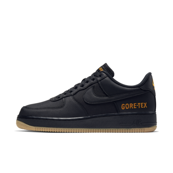 Gore-Tex X Nike Air Force 1 Low 'Black' zijaanzicht