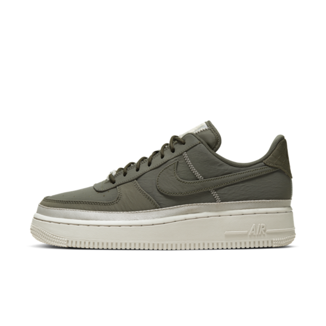 Nike WMNS Air Force 1 '07 SE 'Green' zijaanzicht